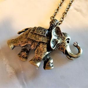 Jewelry - NWOT Gold ELEPHANT Necklace